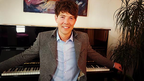 Pianist met zangeres op onze bruiloft