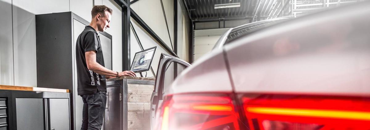 Audi achteruitrijcamera inbouwen